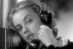 jeanne-moreau-on-the-phone-1024x5762